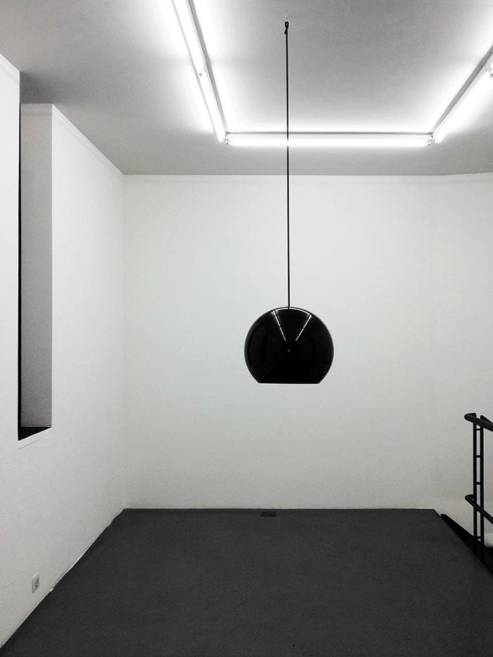 Odile Decq / Head Bowl / Black Crystal. Edition of 3 / 40 x 33,8 x 28 cm / 2013