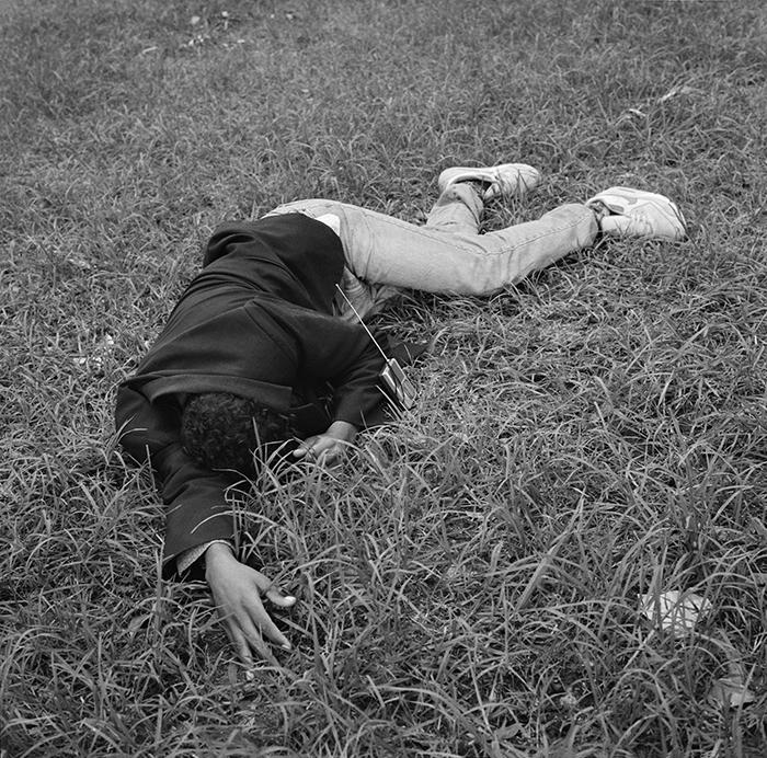 Yto Barrada / Yto Barrada - Public park - Sleepers- Figure 2-Tanger / Série Jardin Public- dormeur figure 2 / C-print 125 x 125 cm , edition of 5, one size / 2006