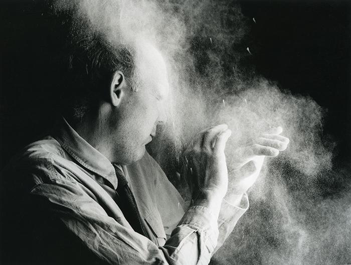 Nigel Rolfe / Performance / 1984 / Dust In Face / Dublin / Archive