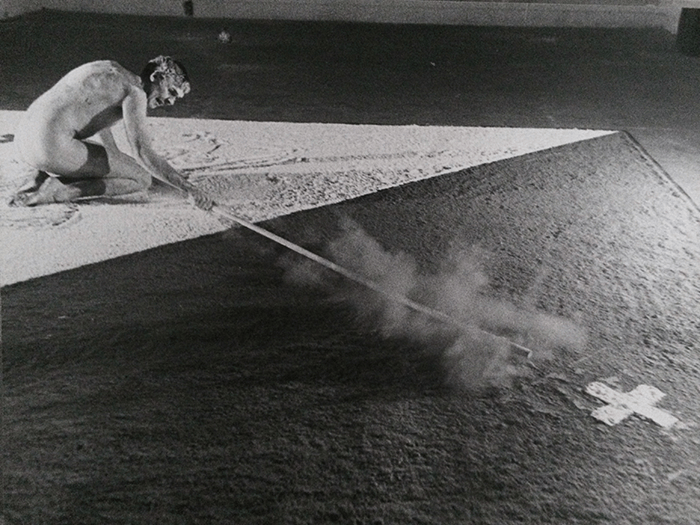 Nigel Rolfe / Performance / Drawing With Stick / 1980 Dov.e La Tigre. Milan / Archive