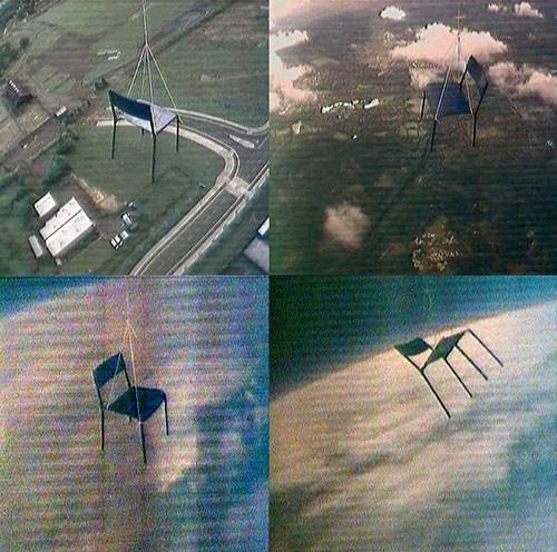 Simon Faithfull / Escape Vehicle no.6 / video 25 min / 2004 / https://www.youtube.com/watch?v=_wnyp3Nrp0w