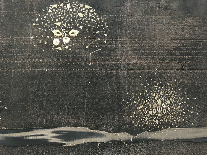 Sara Ouhaddou / « Woven/Unwoven #12 » / mixed media / 77 x 210 cm / 2017 (détail)
