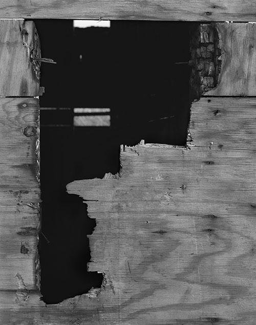 Louis Heilbronn / Staten,Key Type Hole, 134 Tarlton Street, April, 2016 / 2016 / Edition of 3 / Ink jet Print / 28 x 21,5 cm
