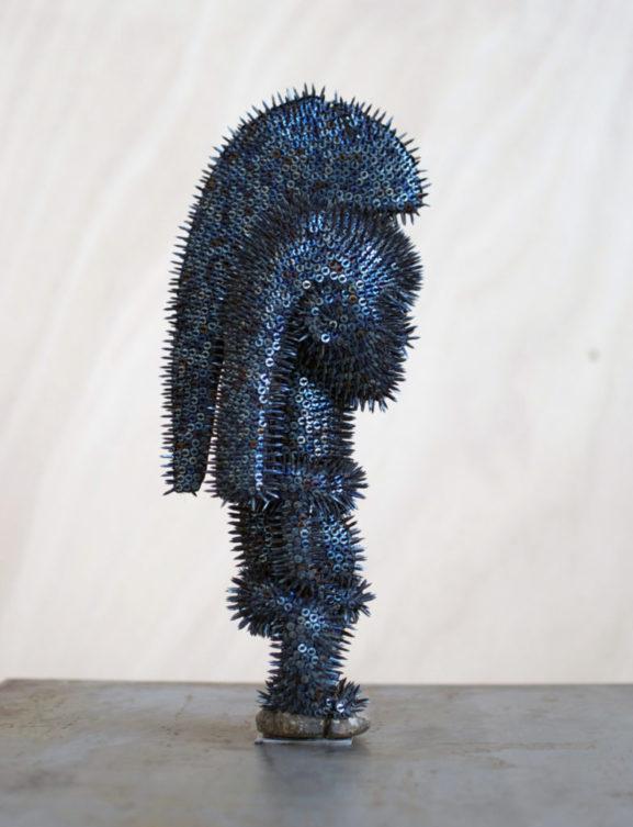 Harald Fernagu / Mes colonies, la fiancée / Technique mixte, semences, statuette africaine du commerce touristique contemporain / 37 x 12,5 x 15,5 cm / 2019