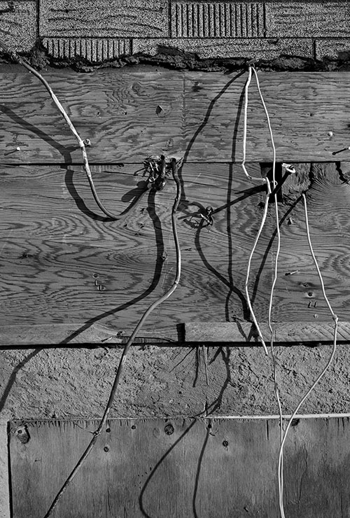Louis Heilbronn / Staten – Wires Wood, 134 Tarlton Street, March, 2016 / 2016 / Edition of 3 / Ink jet Print / 28 x 21,5 cm