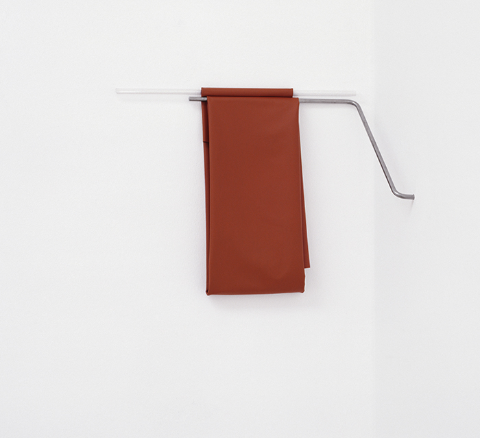 Monika Brandmeier / Anlehner-Reclining / Steel, glass, rubberized fabric / 37 x 48 x 23 cm / 2006