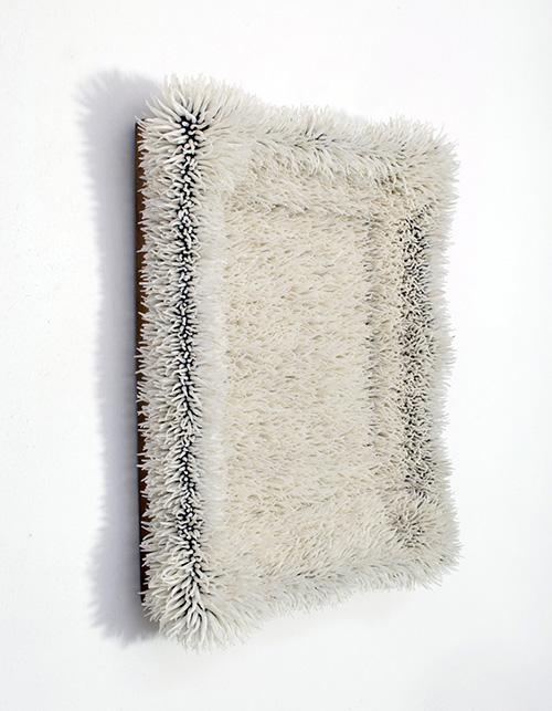 Harald Fernagu / Tableau Sans Titre / Technique mixte: coquillages (Dentallium), tableau / 41 x 36 x 10 cm / 2020