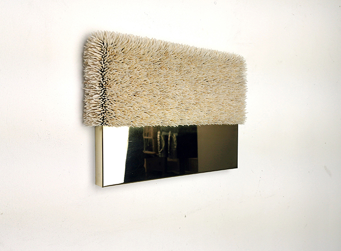 Harald Fernagu / Living landscape #3 / Coquillages sur étain, miroir poli / Sea shells on tin, polished mirror / 27 x 38 x 6 cm / 2020