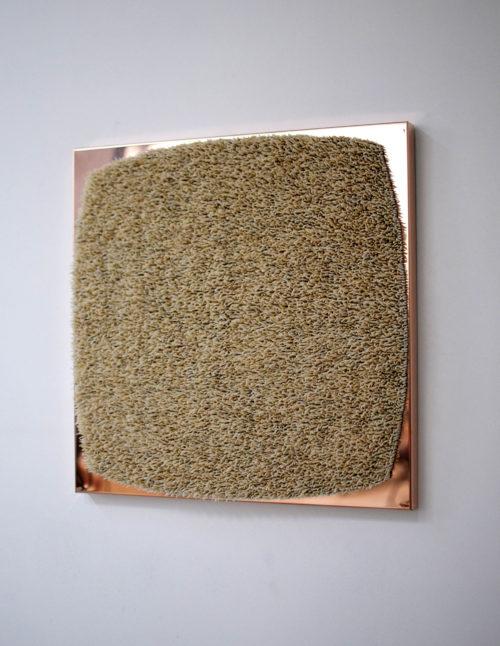 Harald Fernagu / Leaving portrait, Living landscape #5 / Coquillages sur cuivre poli-miroir - Sea shell on copper mirror polished / 50,5 x 50,6 x 6 cm / 2020